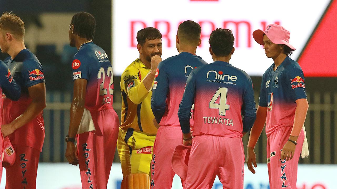 IPL 2020: ಮೈದಾನದಲ್ಲಿ CSK ವಿರುದ್ಧ RR ಆಟಗಾರರು ಮಿಂಚು ಹರಿಸಿದ್ದು ಹೀಗೆ..