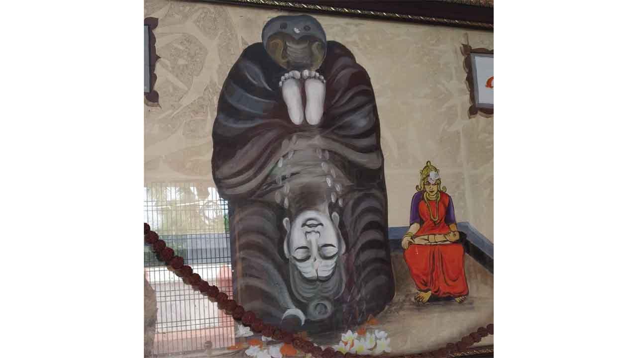 ವಿಶ್ವದ ವಿಶಿಷ್ಟ ಹಾಗೂ ತಲೆಕೆಳಗಾಗಿರುವ ಏಕೈಕ ದೇವಾಲಯ, ಇರೋದೆಲ್ಲಿ ಗೊತ್ತಾ?
