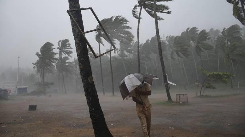 Cyclone Tauktae Photos